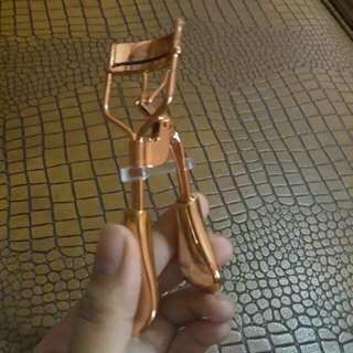 Eyelash Curler (Gold)