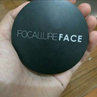 Focallure blush on, highlighter and contour dalam satu set