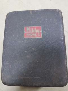 Vintage metal mikky phone