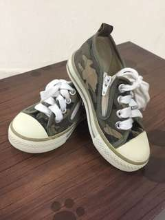 Soldiers Converse