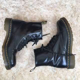 Dr Martens Black Lace Up Combat Boots Us 7 UK 5 Preowned