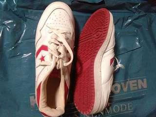 Sepatu converse nego