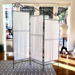 Folding Room Separator