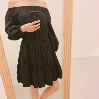 兩穿黑洋裝