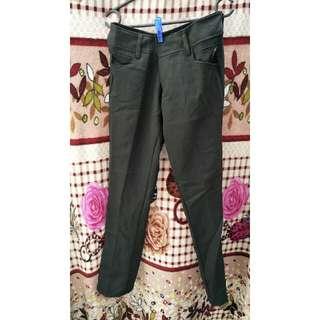 Celana Bahan - New