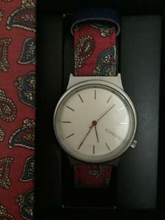 Komono Watch - Red Paisley