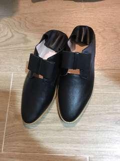 Katie Judith 踩踭鞋