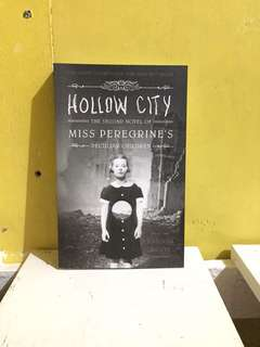 Miss Peregrine's home for the Peculiar Children: book 2 The Hallow City