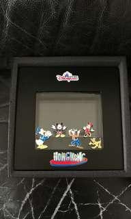 迪士尼10周年限量襟章