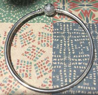 Authentic Pandora Bangle Unique as You Are