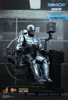 Hot Toys Robocop with Chair