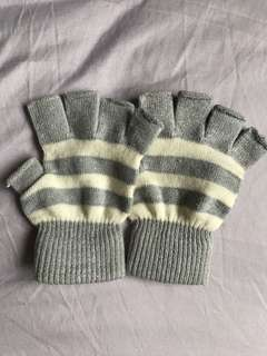 Gloves for cold weather