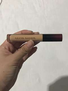 Kevyn Aucoin The Etherealist Super Natural Concealer in EC 04
