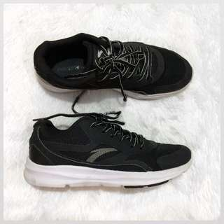 Authentic Anta running shoes