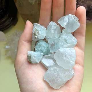 Aquamarine Raw Tumbled Stones (Med/Large)