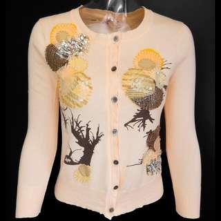 國際設計師品牌Isabelle Wen溫慶珠粉膚色亮片刺繡長袖針織衫外套