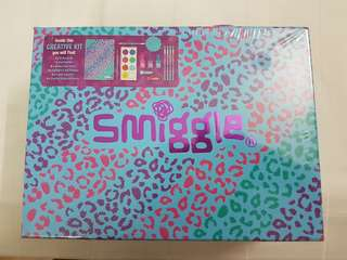 Smiggle Art set