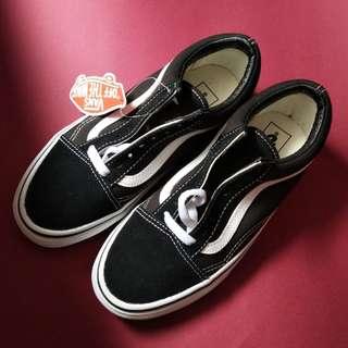 VANS萬斯經典黑白低筒板鞋