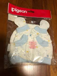 Baby set - mittens and socks