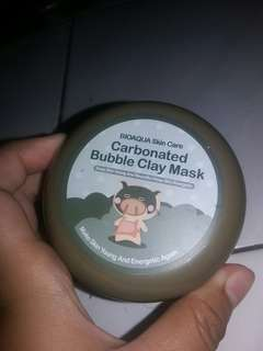 Carbonated bubble claymask
