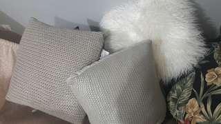 Throw/ cushions bundle