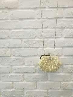 Pearls seashell mermaid sling bag / clutch
