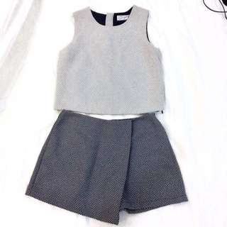 (REPRICED) Terno White and Navy Blue Skort