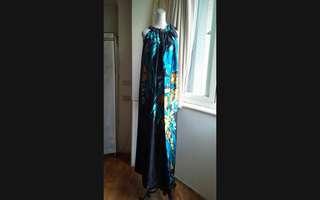 渡假風 超長版 寬鬆緞面絲巾長洋裝