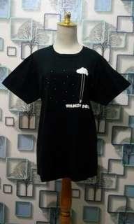 Kaos hitam import