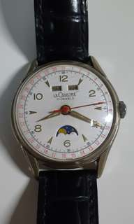 Vintage LeCoultre calendar moonphase watch