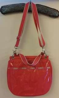 Lesportsac shocking pink glossy handbag 粉紅色令面 輕便手袋 側咩袋