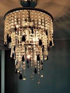 Chandelier with x6 halogen light bulbs.