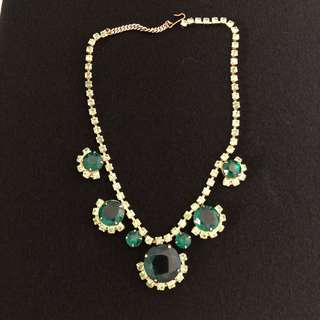Vintage D&E Juliana Emerald Glass Peridot Green Rhinestone Necklace