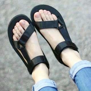男女沙灘涼鞋