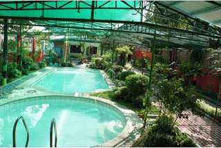 12-hr Stay at V Exclusive Resort in Bulacan