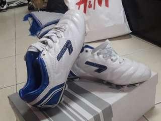LINE SEVEN Kids Football Boots