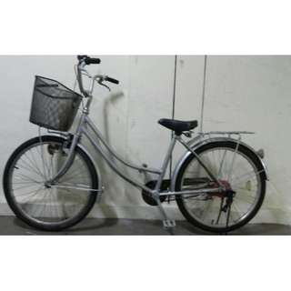 Excellent condition lady bike bicycle Brand new tyres tubes No repairs needed