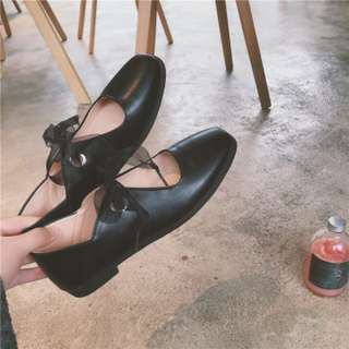 [PRE-ORDER] Women Casual Ballet Shoes With Ribbon Lace Tie Flat Shoes