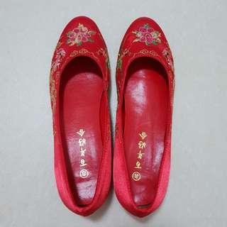 Traditional Chinese Wedding Shoe