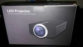 Cordya YG500 Full HD 1080p LED Projector