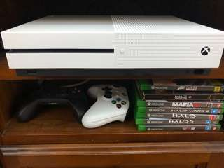 Brand new Xbox one 1TB