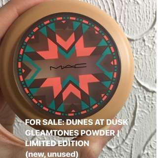MAC Dunes at Dusk Gleam tones Powder