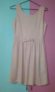 Peach/cream dress