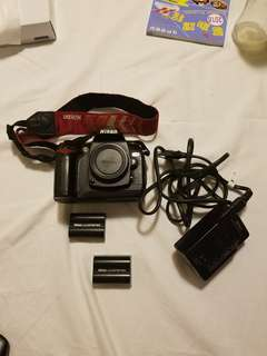 Nikon D70 BODY with 2 battery and charger