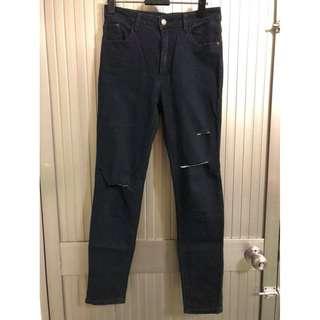 品牌牛仔褲--maru.a破牛仔褲(黑色)