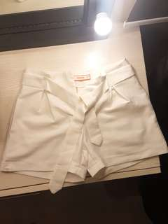 GTW WHITE SHORTS