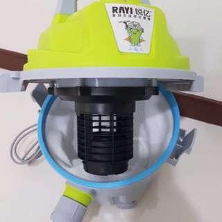 Powerful vacuum cleaner (wet & dry)