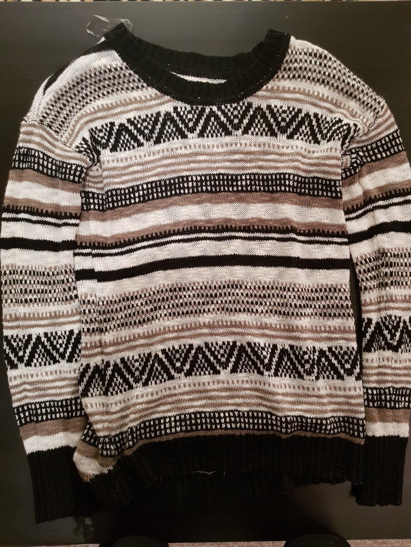 Ardene patterened sweater