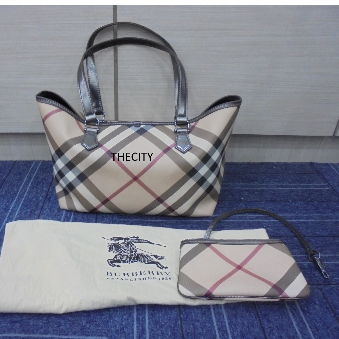 d37b3e0fcc AUTHENTIC BURBERRY MEDIUM SIGNATURE CHECKERED TOTE BAG , WITH SMALL ZIP  POUCH, Luxury, Bags & Wallets on Carousell