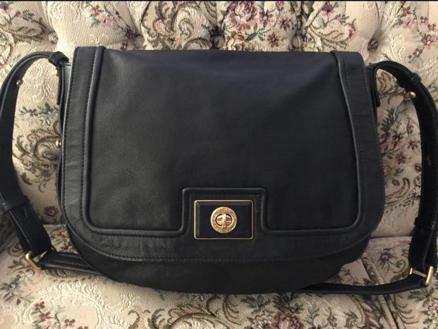 AUTHENTIC MARC BY MARC JACOBS TOTALLY TURNLOCK MESSENGER / LARGE CROSSBODY